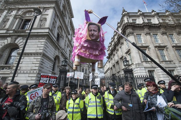 David-Cameron-protests-in-London-485240