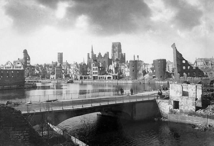 gdansk-1945-tak-zniszczyla.jpg