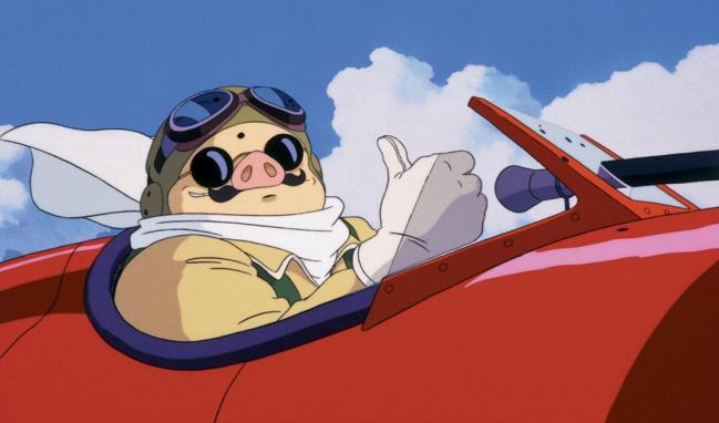 L'iconica figura di Porco Rosso, ritratto assieme al suo fedele idrovolante monoplano Savoia S.21 Folgore.