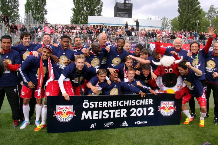 fc_red_bull_salzburg_-_champion_of_the_austrian_football_bundesliga_2011-12_01