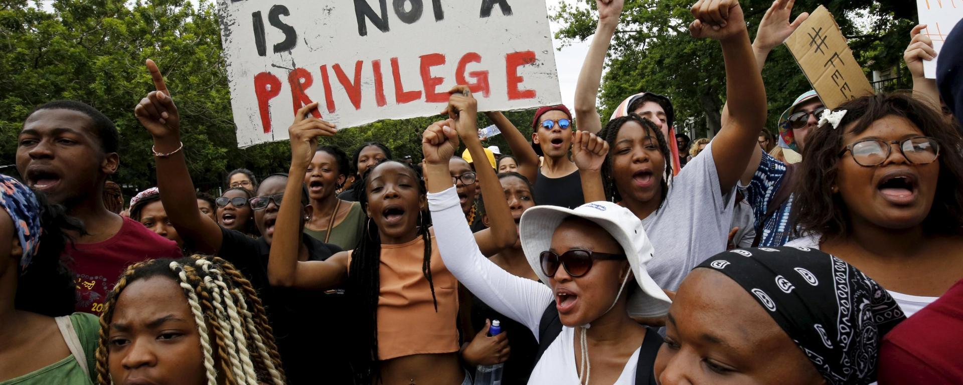 sudafrica proteste giovani