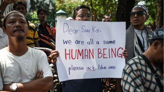migranti rohingya protesta