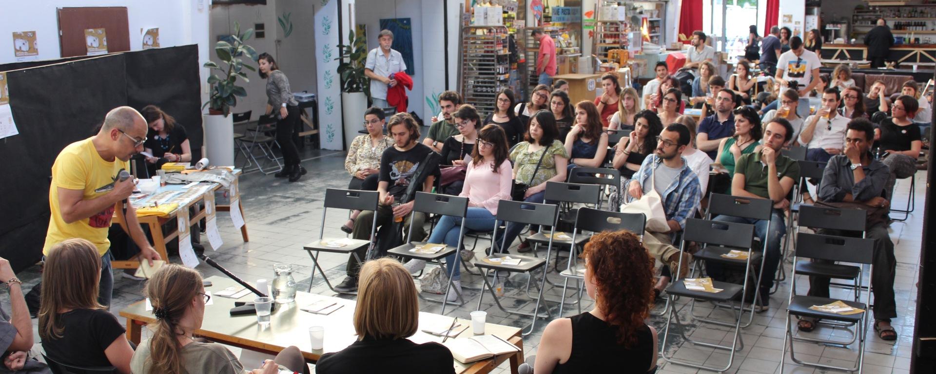 pubblico incontro migranti itacà