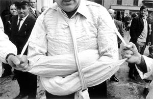 parma, 1968. la camicia di forza