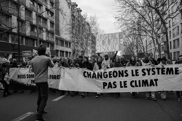 800px-Marche_pour_le_climat_du_8_décembre_2018_(Paris)_–_26.jpg