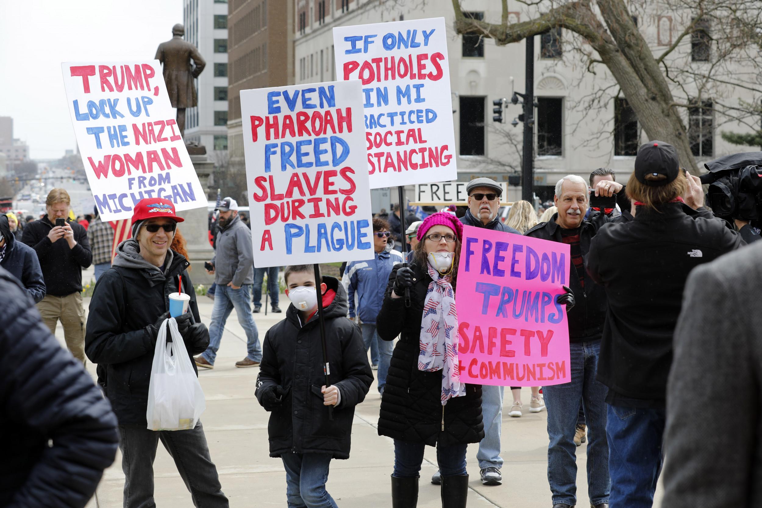 proteste lansing